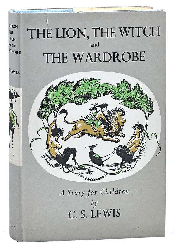 THE LION, THE WITCH AND THE WARDROBE. C. S. Lewis, Pauline Baynes, novel, illustrations.